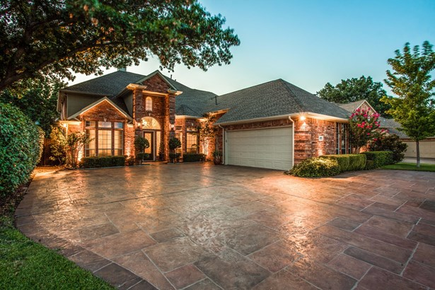 3009 Oak Point Drive, Garland, TX - USA (photo 1)