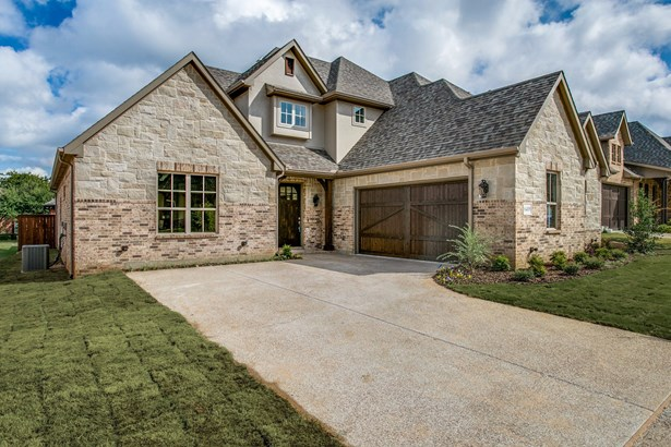 6409 Vintage Lake Drive, Arlington, TX - USA (photo 2)