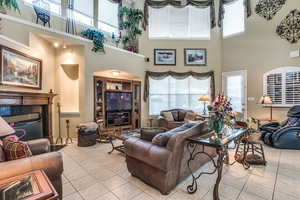 1201 Queen Guinevere Drive, Lewisville, TX - USA (photo 5)