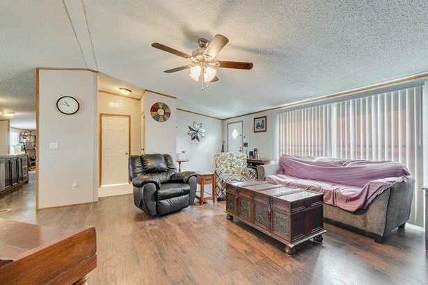 9509 Clark Street, Joshua, TX - USA (photo 5)