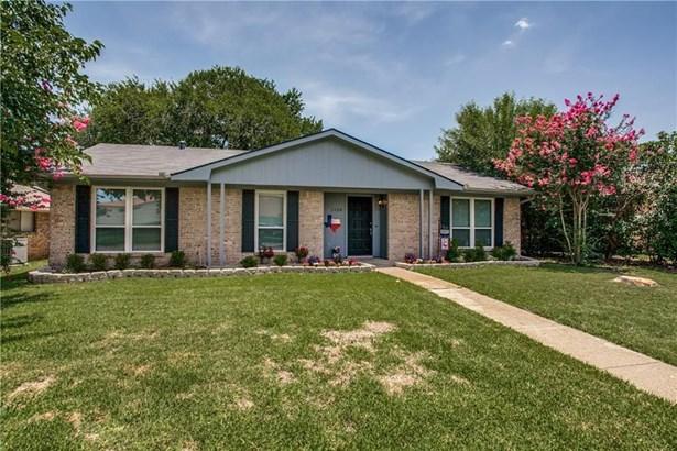 1110 Woodland Park Drive, Garland, TX - USA (photo 1)