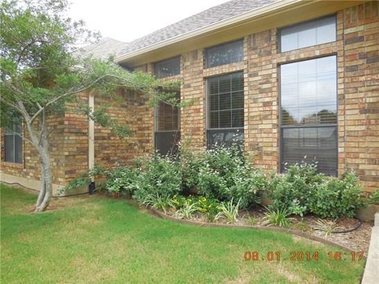 303 Wilson Street, Whitesboro, TX - USA (photo 2)
