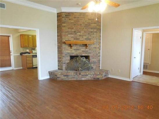 303 Wilson Street, Whitesboro, TX - USA (photo 4)