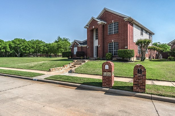 1129 Brittany Place, Lewisville, TX - USA (photo 2)