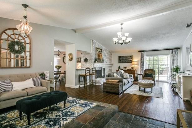 1606 Versailles Drive, Richardson, TX - USA (photo 2)