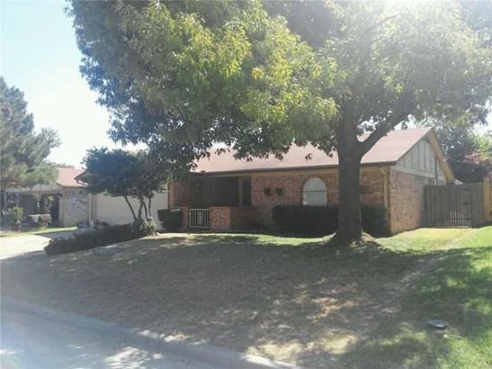 2621 Argus Drive, Grand Prairie, TX - USA (photo 1)