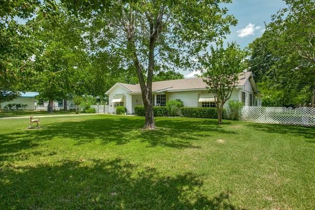 330 N Acres Drive, Balch Springs, TX - USA (photo 1)