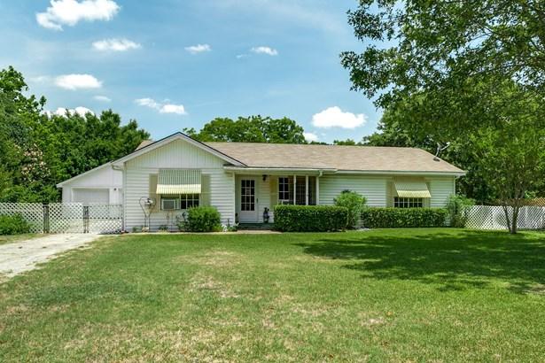 330 N Acres Drive, Balch Springs, TX - USA (photo 2)