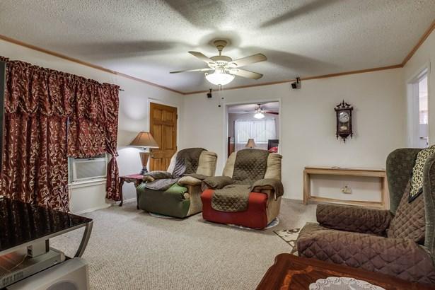 330 N Acres Drive, Balch Springs, TX - USA (photo 3)