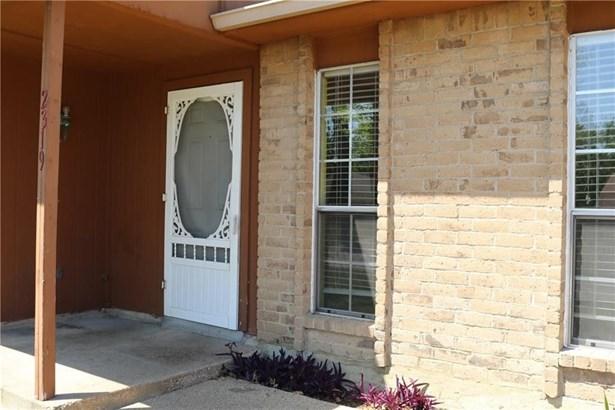 2319 Idlewood Drive, Arlington, TX - USA (photo 2)