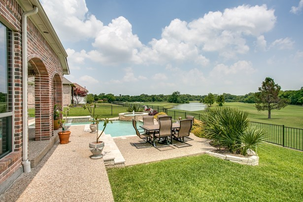 7206 Covewood Drive, Garland, TX - USA (photo 3)