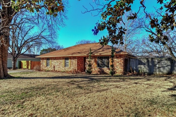 437 W Hughes Street, Collinsville, TX - USA (photo 1)