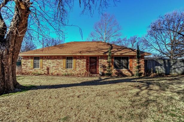 437 W Hughes Street, Collinsville, TX - USA (photo 2)