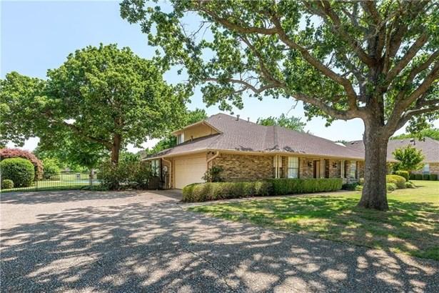 1102 Meadow Crest Lane, Mansfield, TX - USA (photo 3)