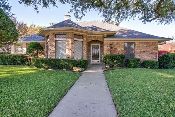 3305 Ridge Oak Drive, Garland, TX - USA (photo 1)