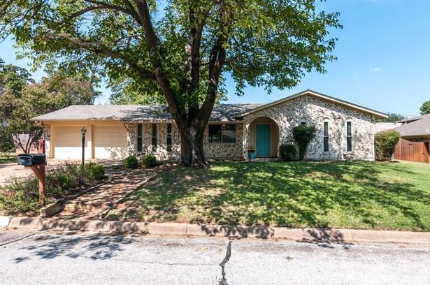 7813 Owen Drive, North Richland Hills, TX - USA (photo 1)