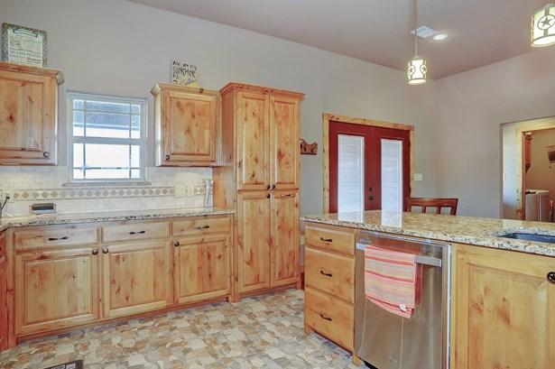 1371 Leo Andrews Road, Whitesboro, TX - USA (photo 5)