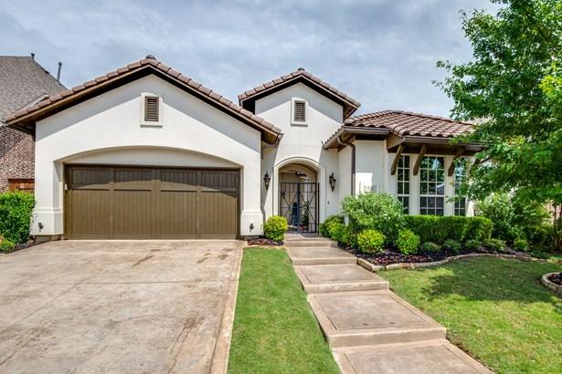 723 Brookstone Drive, Irving, TX - USA (photo 2)