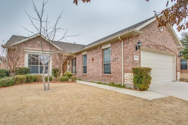 3905 Pineoak Lane, Denton, TX - USA (photo 2)