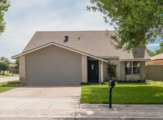 2238 Montclair Place, Carrollton, TX - USA (photo 1)