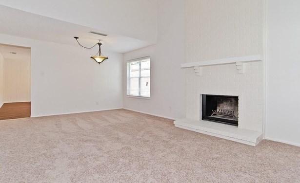 2238 Montclair Place, Carrollton, TX - USA (photo 5)