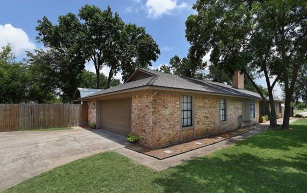 701 Cherry Street, Sanger, TX - USA (photo 3)