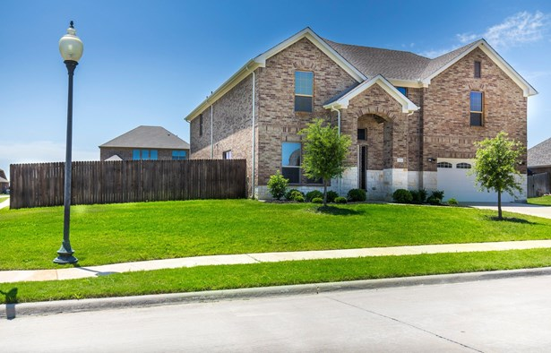 1516 Lakeway Drive, Little Elm, TX - USA (photo 2)