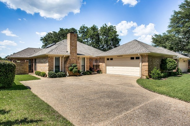 4852 Courtside Drive, Fort Worth, TX - USA (photo 1)
