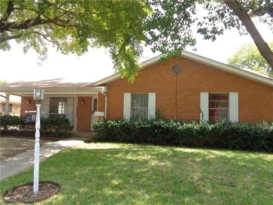 4214 Ashville Drive, Garland, TX - USA (photo 2)