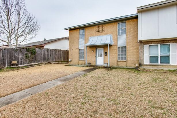 2215 Sheraton Drive, Carrollton, TX - USA (photo 2)