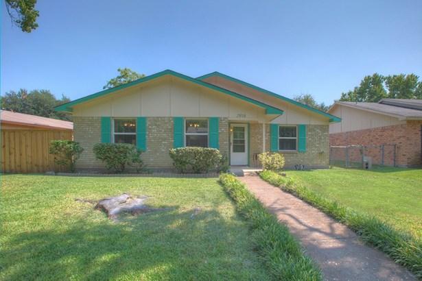 2818 Fern Glen Drive, Garland, TX - USA (photo 1)