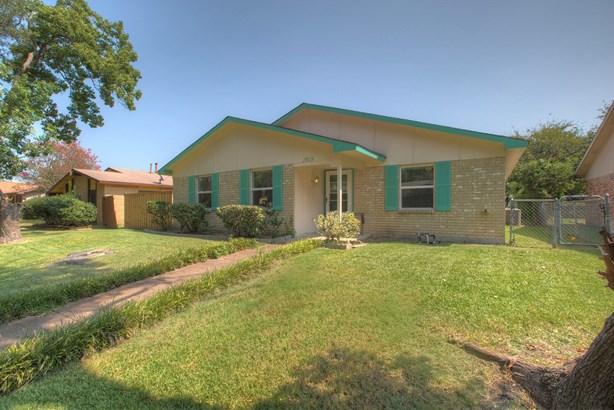 2818 Fern Glen Drive, Garland, TX - USA (photo 2)