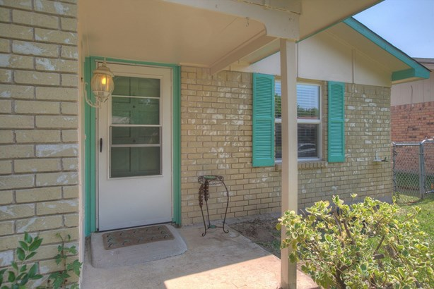 2818 Fern Glen Drive, Garland, TX - USA (photo 4)