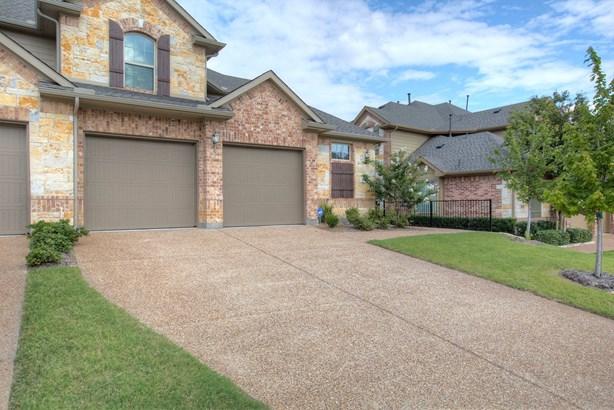 6604 Eagle Nest Drive, Garland, TX - USA (photo 2)