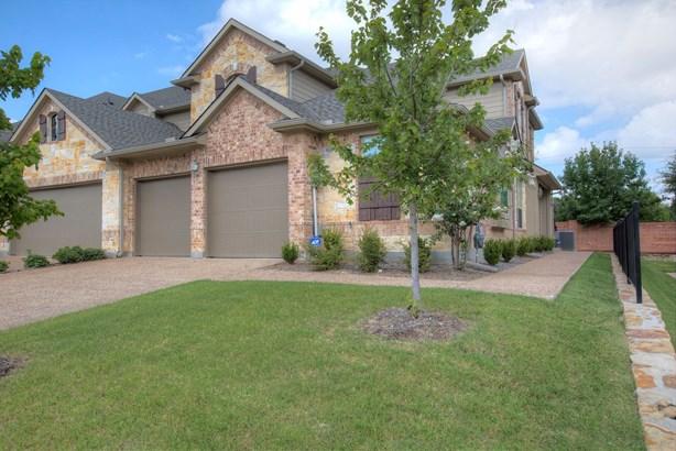 6604 Eagle Nest Drive, Garland, TX - USA (photo 3)