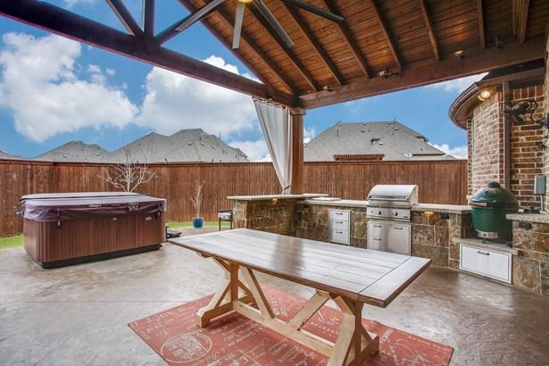 8712 Shadywood Lane, North Richland Hills, TX - USA (photo 2)