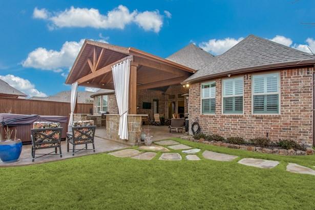8712 Shadywood Lane, North Richland Hills, TX - USA (photo 5)