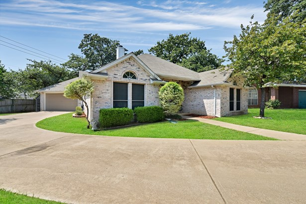 7624 Arbor Ridge Court, Fort Worth, TX - USA (photo 3)