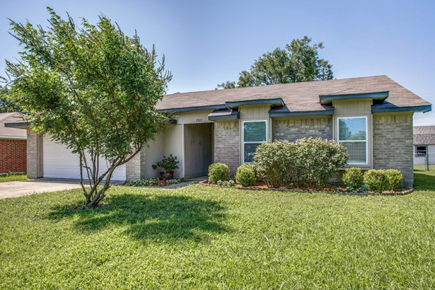 2503 Silvermeadow Lane, Corinth, TX - USA (photo 1)