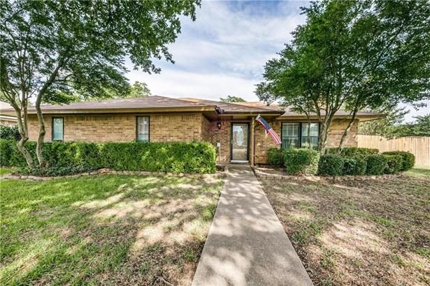 501 Meadow Ridge Drive, Cedar Hill, TX - USA (photo 1)