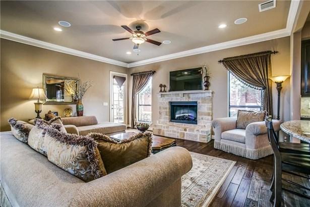 2512 Creek Villas Drive, Bedford, TX - USA (photo 5)