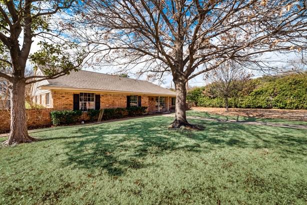 2869 Millwood Circle, Farmers Branch, TX - USA (photo 1)