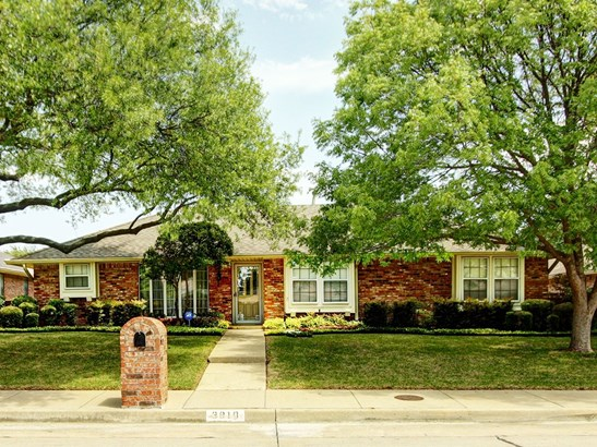 3810 Woodside Road, Carrollton, TX - USA (photo 1)