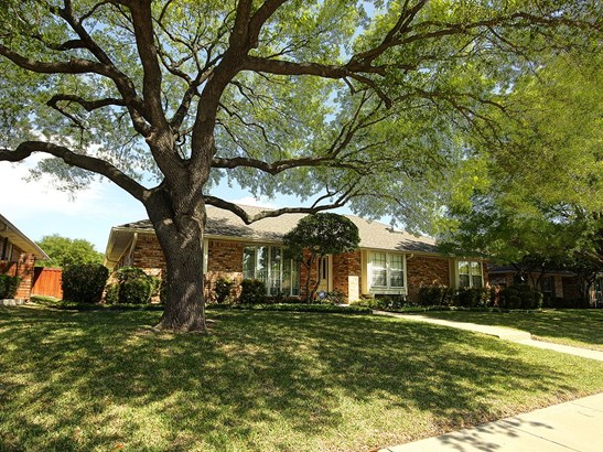 3810 Woodside Road, Carrollton, TX - USA (photo 2)
