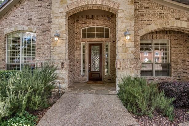 2015 Crockett Circle, Irving, TX - USA (photo 2)