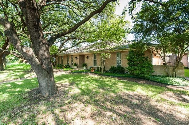 9333 Loma Vista Drive, Dallas, TX - USA (photo 2)
