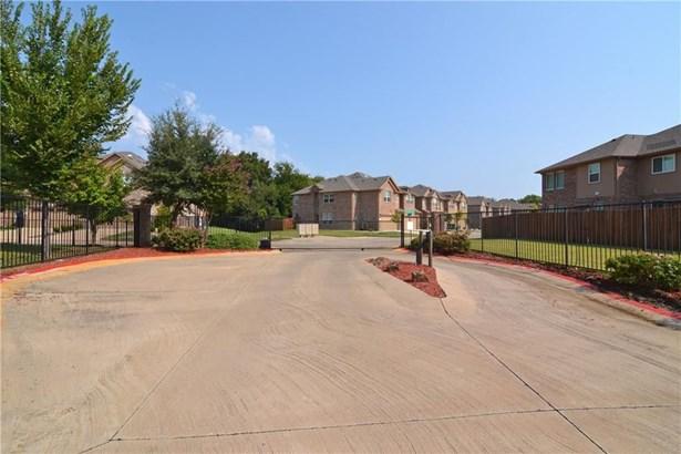 185 Barrington Lane, Lewisville, TX - USA (photo 3)