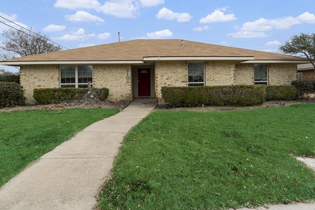 2108 Ashwood Lane, Carrollton, TX - USA (photo 2)