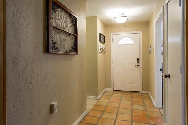 2108 Ashwood Lane, Carrollton, TX - USA (photo 3)