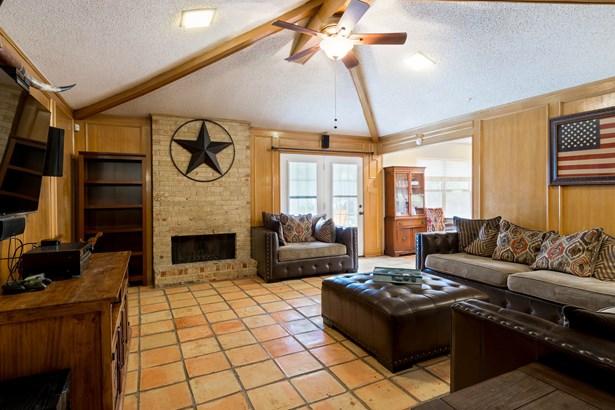 2108 Ashwood Lane, Carrollton, TX - USA (photo 4)